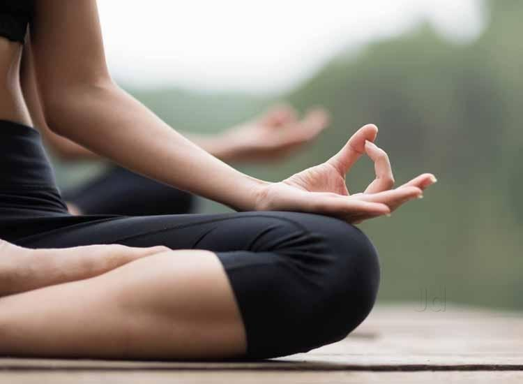 How Tennis Players Can Benefit from Yoga